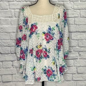 Meadow Rue By Anthro Floral Boho Style Batwing Top